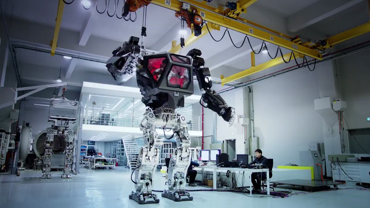 This Manned Robot Does What Its Pilot Does